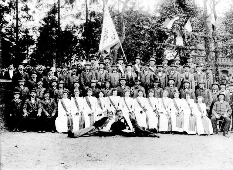 Schuetzenverein-Hude-Fahnenweihe-zirka-1900